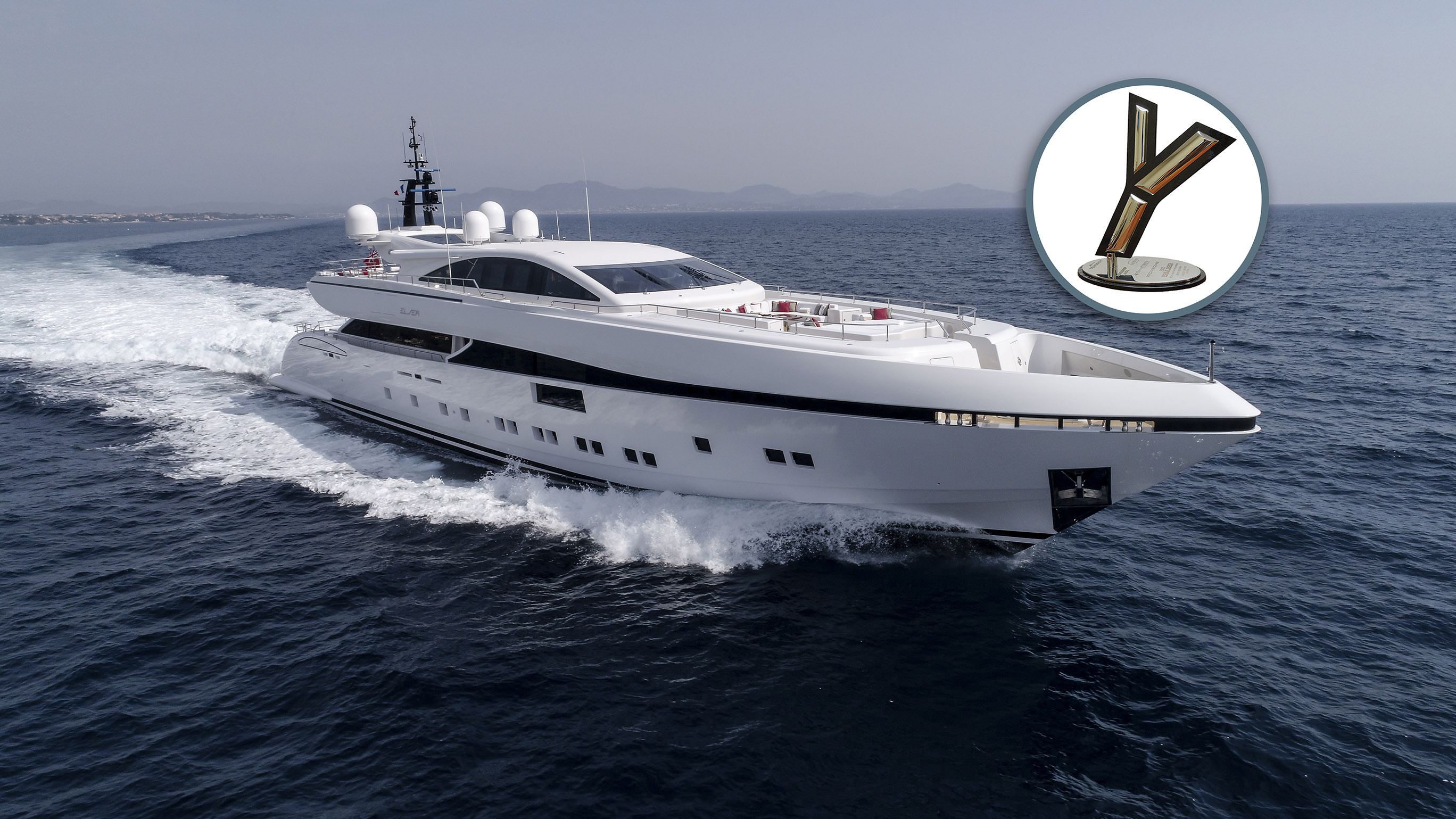 <div class='divtestFont'><a href='2017/09/20/ccn-vince-con-il-suo-50m-elsea-il-world-superyacht-trophy-per-la-categoria-best-revelation/'><div class='testFont'>Elsea winner of the World Superyacht Trophy 2017</div><div class='testFont1'>The 50M yacht was awarded for Revelation of the Year</div></a></div>